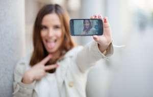Selfies - CyberDatingExpert.com